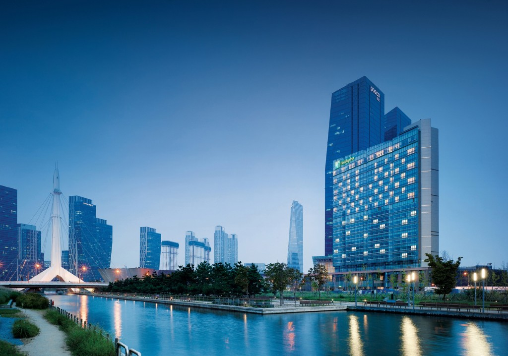 Exterior View of Holiday Inn Incheon Songdo