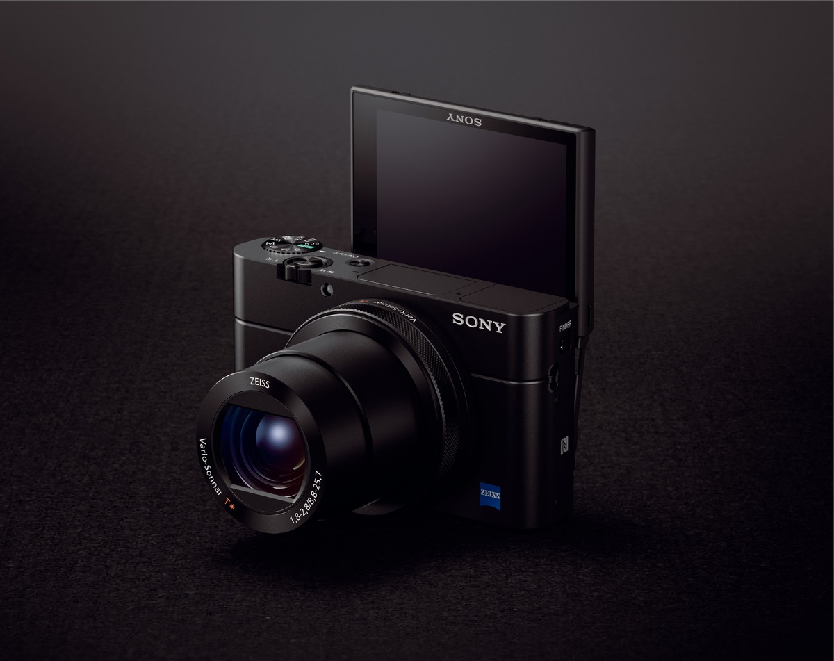 Sonys Rx100 Iv And Rx10 Ii Cameras Bring Professional Imaging Sony Compact Camera Dsc M4 Front Of