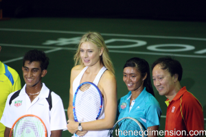 Sharapova and Michael Chang together with SEA game players